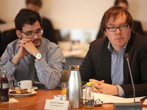 Daniel Drepper, rechts, von fussballdoping.de Foto: Grimme-Institut/Arkadiusz Goniwiecha