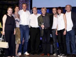 """Die Preisträger für """"Das Wunder von Leipzig"""" im Jahr 2010 mit der Preispatin Inka Schneider (2.v.l.); Foto: Jens Becker/Grimme-Institut"""