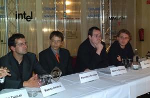 Friedrich Hagedorn (2. v.l.) mit Preisträgern und Juroren beim ersten Grimme Online Award 2001