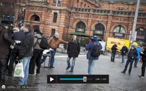 Screenshot: Peter mit seinen Freunden am Bremer Hauptbahnhof.