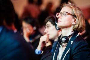 Ilka Wagner, Mitglied der deutschen Delegation, bei der letzten entscheidenden Sitzung, kurz vor dem Abschluss des Abkommens. Foto: Das Paris-Protokoll