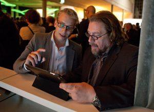 Grimme Online Award Preisverleihung 2012, Tim Klimeš bringt Armin Rohde das Twittern bei