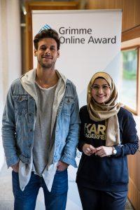 """Farah Bouamar und Marcel Sonneck aus dem """"Datteltäter""""-Team bei der Bekanntgabe der Nominierungen zum Grimme Online Award. Foto: Grimme-Institut / Arkadiusz Goniwiecha"""