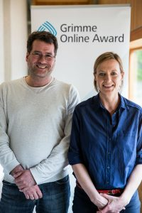 """Axel Klauwer und Julia Lüke von """"Ihre Wahl – der WDR-Kandidatencheck"""" bei der Bekanntgabe der Nominierungen zum Grimme Online Award. Foto: Grimme-Institut / Arkadiusz Goniwiecha"""