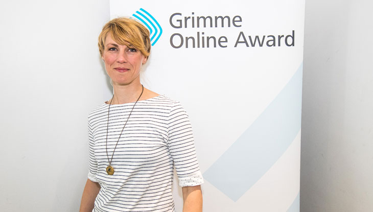 """Nora Hespers von """"Die Anachronistin"""" bei der Bekanntgabe der Nominierungen zum Grimme Online Award 2018. Foto: Rainer Keuenhof / Grimme-Institut"""