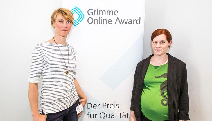 """Nora Hespers und Rita Molzberger von """"Was denkst du denn?"""" bei der Bekanntgabe der Nominierungen zum Grimme Online Award 2018. Foto: Rainer Keuenhof / Grimme-Institut"""