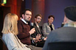 Dirk von Gehlen beim Panel II beim Social Community Day 2018, Foto: Georg Jorczyc/Grimme-Institut