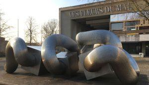Rathaus der Stadt Marl mit Skulptur, Foto: Lisa Wolf/Grimme-Institut