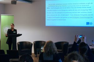 Nicola Kleer von der Universität zu Köln berichtet über die Befragung zum Grimme Online Award. Foto: Daniel Kunkel