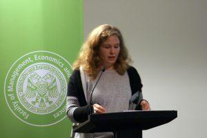 Vera Lisakowski vom Grimme Online Award überlegt, was Preise für digitalen Journalismus tun können. Foto: Daniel Kunkel