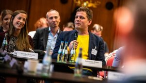 """Sebastian Esser beantwortete einige Fragen zu seinem Projekt """"Krautreporter"""". Foto: Rainer Keuenhof / Grimme-Institut"""