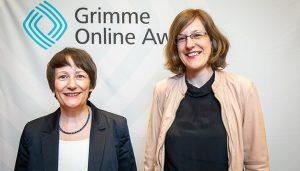 """Dr. Katharina Ernst (links) und Dr. Katharina Beiergößlein (rechts) vom """"Stadtlexikon Stuttgart"""" bei der Bekanntgabe der Nominierten. Foto: Rainer Keuenhof / Grimme-Institut"""