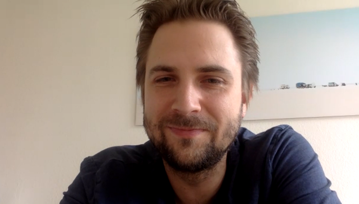 Screenshot Zoom: Dominik Stawski im Interview