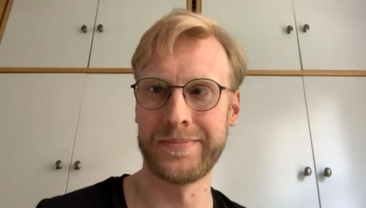 Screenshot Zoom: Bertram Weiß im Interview