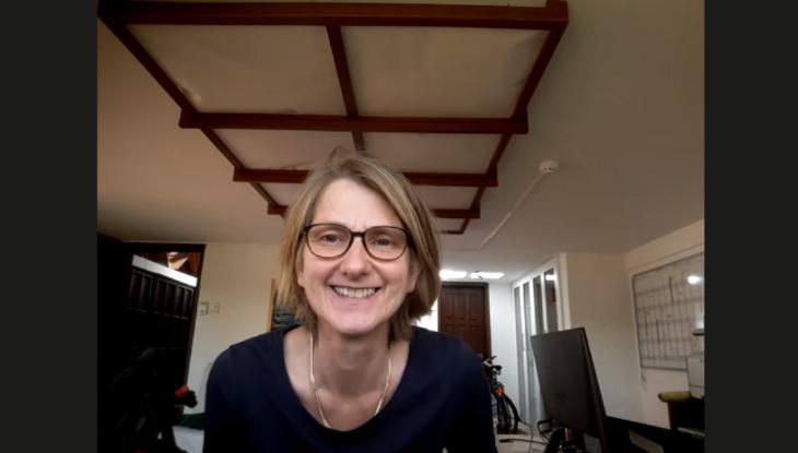 Screenshot Zoom: Isabel Enzenbach im Interview