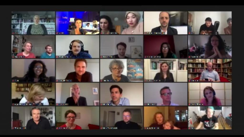 Screenshot des Zoomcalls mit den Nominierten, viele kleine Fenster mit Vertreter*innen der Angebote